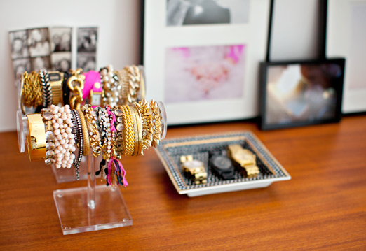 http:::ahouseinthehills.com:2012:8:27:jewelry-organization-complete: