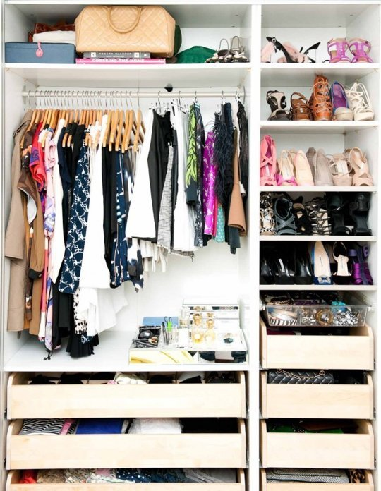 http-::www.apartmenttherapy.com:beautifully-organized-closets-183496