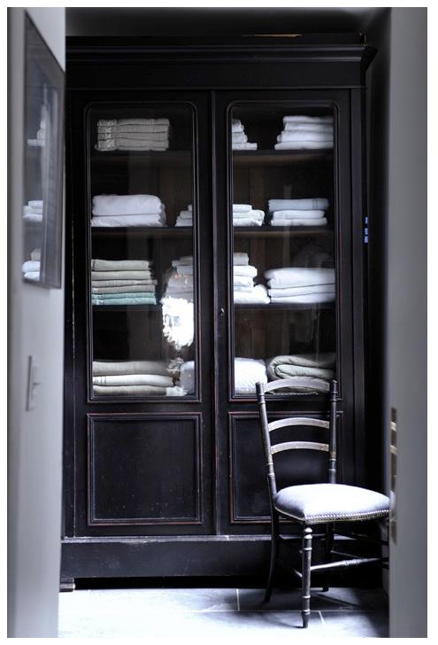 http-::greigedesign.blogspot.com:2011:05:linen-cabinet