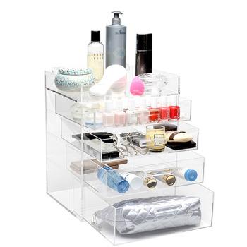 https-::glamboxes.com:product:glamluxe-makeup: